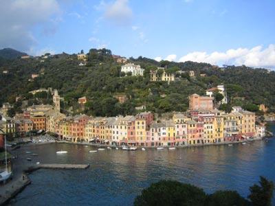 Genovai Cristoforo Colombo Repülőtértől Autóbérlés