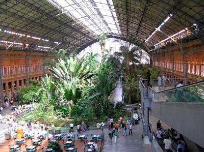Madrid Atocha Stacja Kolejowa Wynajem samochodów